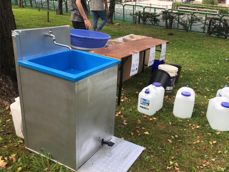 検品時などにご使用されてます!ポンプ式手洗いユニット!